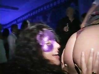 Blowjob concurso ganador chupa dick en la pista de baile