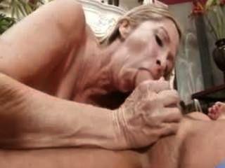 Sexo hambriento milf annabelle brady