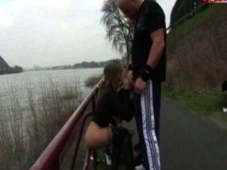 Sexo en grupo en el Rin