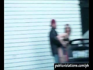Iglesia estacionamiento actos sexuales