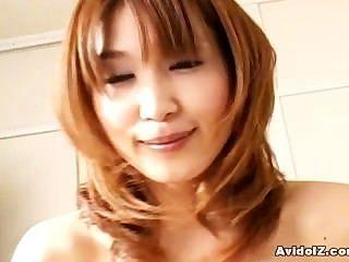 Ama de casa japonesa da una mamada perfecta