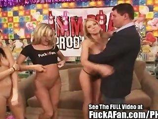 Las estrellas porno amy brooke y shawna lenee follando su fan jimmy