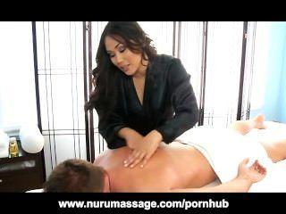 Jessica bangcock masajes un pene duro