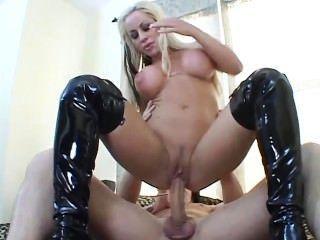 Big tit ass stretchers 1 escena 3