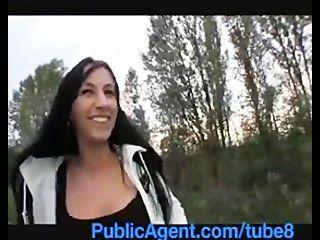Publicagent morena hotty se pone en mi coche