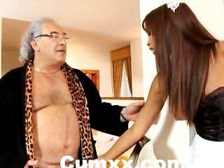 Ebony katia de lys follada duro por el viejo