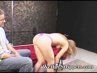 Caliente stripper obtiene coño slammed
