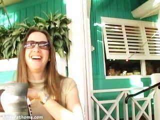 Amber lynn bach jugando con ella misma en un camerino!