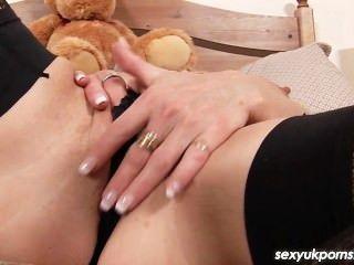 Madura british pornstar jane enlace de cosas su coño y el culo con un consolador gordo