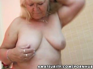 Chubby amateur esposa chupa y folla en su cama