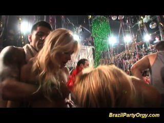 Tits grandes brasileños bebés obtener grandes pollas duro follada