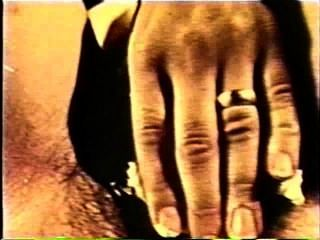 Softcore desnudos 125 60s y 70s escena 3