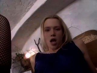 Camilla krabbe linda rubia adolescente folla trabajador