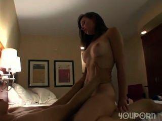 Sexo duro en una habitación de hotel