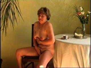 Secrets of horny mature 9 escena 5
