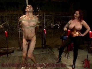 Busty redheaded goddess teases y usa nuevo slaveboy