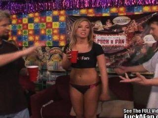 La estrella porno adolescente ally kay folla afortunado aficionado!