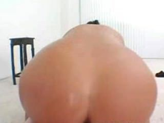 Big ass dasani lezian montar su entrenadores hard cock
