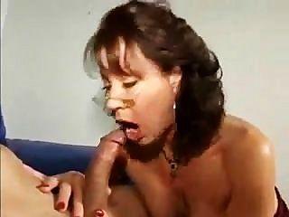 Vanessa videl smokinggbj