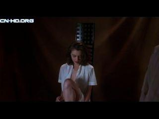 Alyssa milano - poison ivy 2 desnuda, escena sexual