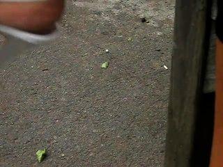 Pies maduros en tacones altos