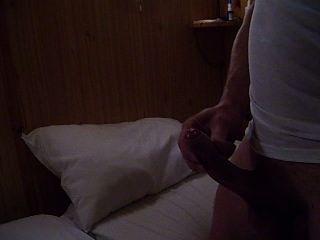 Es realmente bueno para masturbarse, mientras que mi esposa relojes y películas