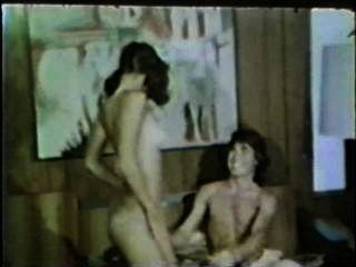 Peepshow loops 419 70s y 80s escena 1