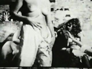 Softcore desnudos 581 50s and 60s escena 3