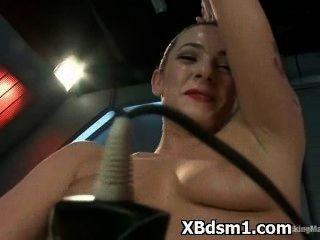 Esclavitud chica erotica cruel castigo