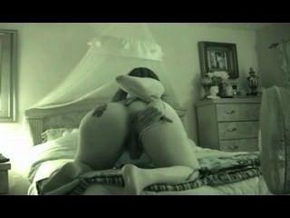 Hermosa mujer realiza sesiones de webcam 1934