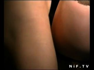 Puta francesa en medias anal follada en trío