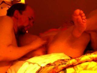 Sexo con acompañante en la habitación del hotel