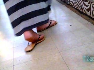Largo vestido latina pies