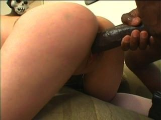 Black monster dicks fucking white polluelos 6 escena 4