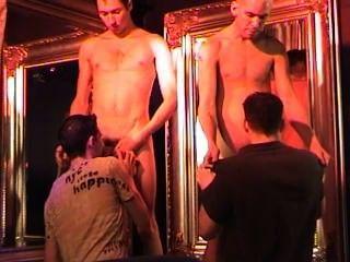 Bailarines privados escena 1