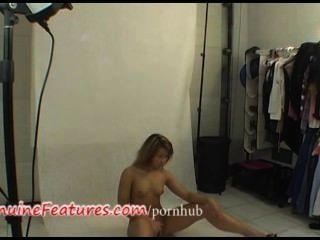 Real checo aficionado rubia en backstage clip