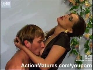 Mujer caliente vecina en celo