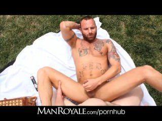 Manroyale hot guys tirón fuck en el parque