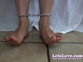 Lelu amor descalzo tobillo puños upskirt