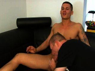 Aussie hunk trabajado por gay