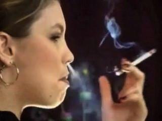Perfil de fumar triple droga