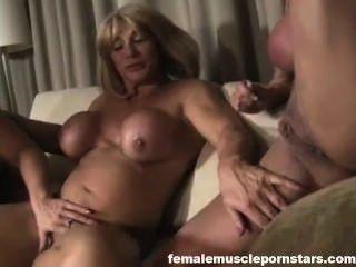 Las mujeres salvajes threesome parte 2 cámaras ashlee, kat salvaje, amazona alura