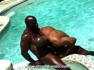 Asombrosos músculos negros