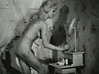 Softcore desnudos 551 50s and 60s escena 1