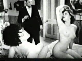 Softcore desnudos 567 50s and 60s escena 3