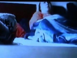 Spycam vio mamá masturbándose tiene temblor de orgasmo