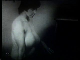 Softcore desnudos 514 50s and 60s escena 4