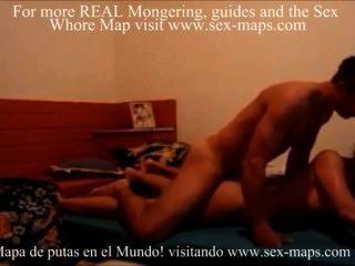 Chica caliente de la universidad con el cuerpo asombroso en el vídeo hecho en casa