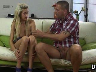 El macho astuto seduce a una virgen