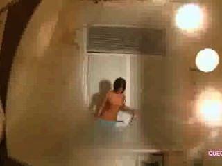 Lovable mujer disfruta sesión de webcam 9596